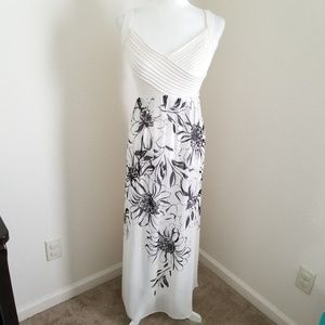 Robbie Bee Floral Faux-Wrap Panel Sleeveless Gown